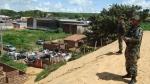 Guardas Municipais do GAAM observam do alto do morro a ação dos Fiscais Ambientais